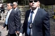 Los escoltas de la vicepresidente no tienen por qué hacer de porteros: Representante Lozada