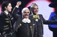 Alex Fernández, Vicente Fernández y Alejandro Fernández en los Latin Grammy