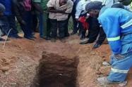 ¡Epic fail! Pastor se enterró vivo para imitar a Jesús y no resucitó al tercer día