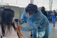 En Medellín inició el piloto de vacunación para 15.028 estudiantes de instituciones educativas oficiales