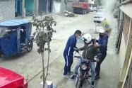 Una bolsa de cemento 'caída del cielo' frustra asalto a mano armada