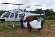 Entrega de ayuda humanitaria a indígenas confinados en Dabeiba, Antioquia.