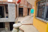 Borracho armado apagó la vida de un hombre y dejó herida a otra en Medellín