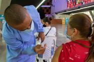 Vacunación contra el coronavirus en Medellín.