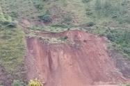 Derrumbe en la vía Uramita-Dabeiba Antioquia.