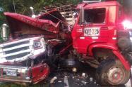 Dos personas heridas en choque de camiones en el norte de Antioquia