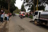 Una persona muerta dejó accidente entre una moto y un camión en Bello