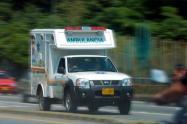 Habrían asaltado ambulancia para atender a su compinche herido en Medellín