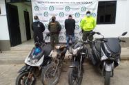 En este operativo fueron recuperados dos vehículos y siete motocicletas.