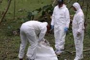 La víctima también presentaba lesiones con arma blanca y de fuego.