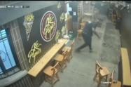 Luego de la defensa de la víctima, los ladrones huyeron del lugar.