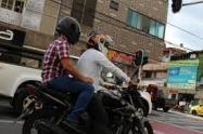 ¿En Medellín se prohibirá la movilización del parrillero hombre?