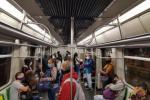 Pasajeros en el Metro de Medellín