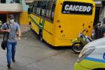 Un bus se fue de frente conta una casa y dejó 16 heridos en el barrio Enciso de Medellín