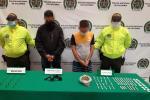La policía capturó en los barrios Buenos Aires y Santa Cruz de Medellín a 29 personas