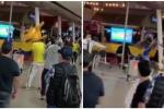 Hinchas de Colombia se van a los 'sillazos' tas empate con Ecuador