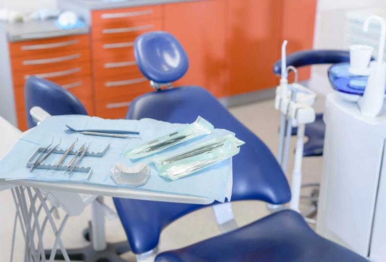 Hasta el momento el consultorio odontológico no ha dado respuesta frente a lo sucedido.