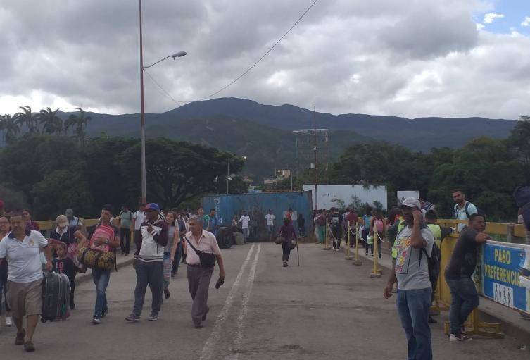 Puente Simón Bolívar Zona de Frontera