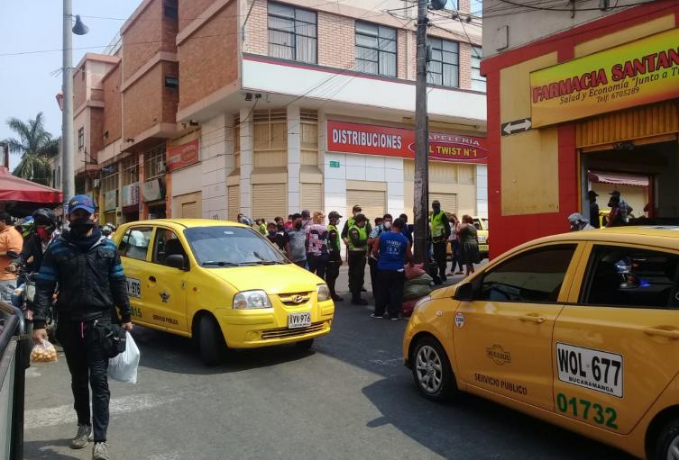 Varias personas incumplen confinamiento en Bucaramanga.