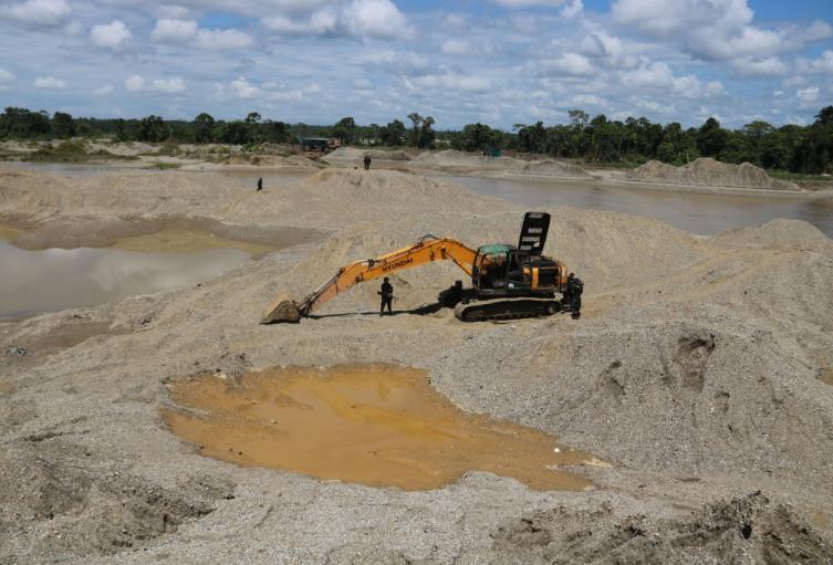 Gobierno radica proyecto de ley para combatir la minería ilegal en Colombia