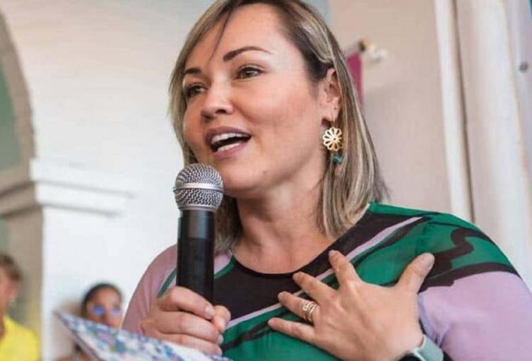 La alcaldesa, Claudia Porras, habría cometido irregularidades en la firma de un convenio.