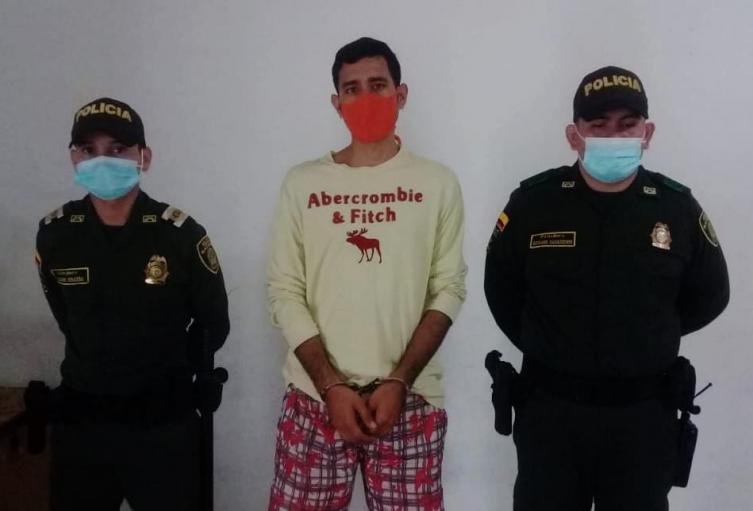 capturado por hurto y porte de armas