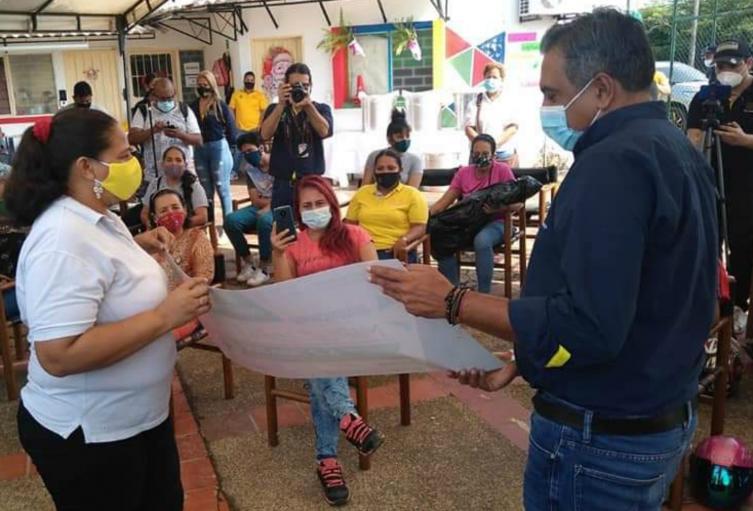 Víctimas de Barrancabermeja recibieron unidades productivas para sus emprendimientos