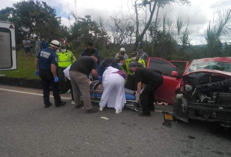 Grave accidente en la vía El Socorro- Oiba
