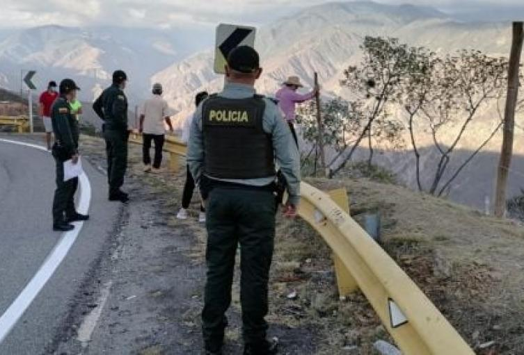 Recuperan terreno invadido ilegalmente en el Cañón del Chicamocha en Santander