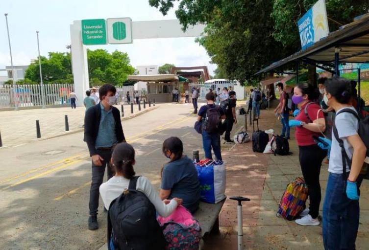 Estudiantes quieren regresar a clases presenciales