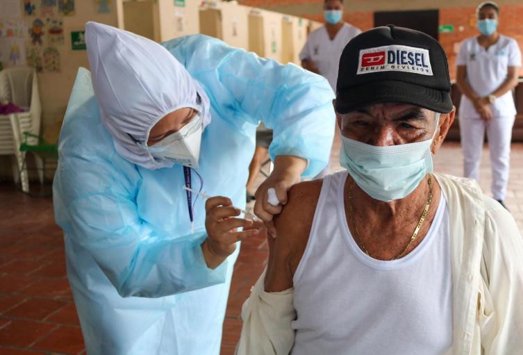 Primer vacunado contra covid-19 en El Zulia, Norte de Santander