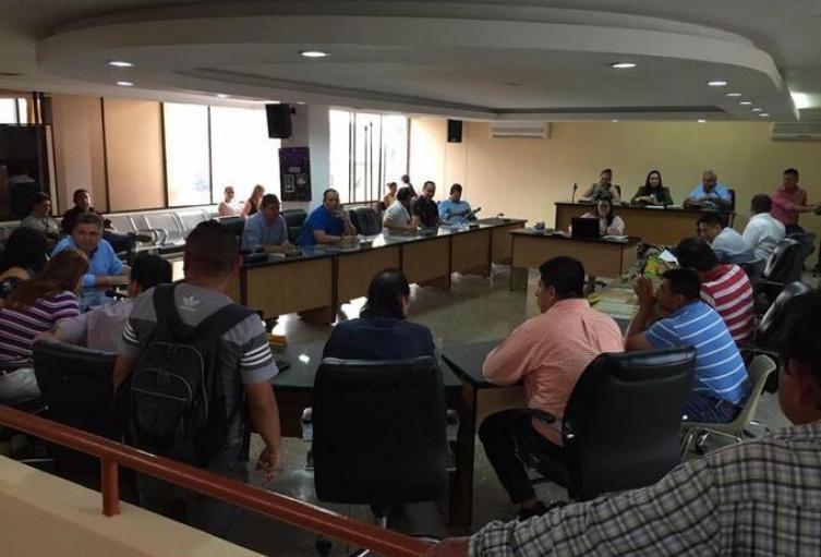 De los 18 concejales, 9 están en ejercicio de sus funciones.