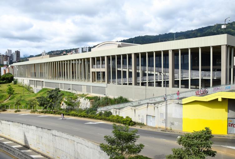 Contraloría investiga desaparición de vehículos de la Alcaldía de Bucaramanga que estaban en un parqueadero