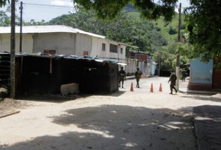 Hostigamiento a puesto de policía en Tibú