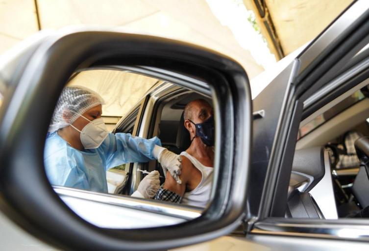 Vacunación carro Floridablanca