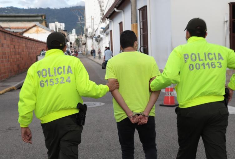 Capturado presunto responsable que incinerar una sede bancaria en Bucaramanga