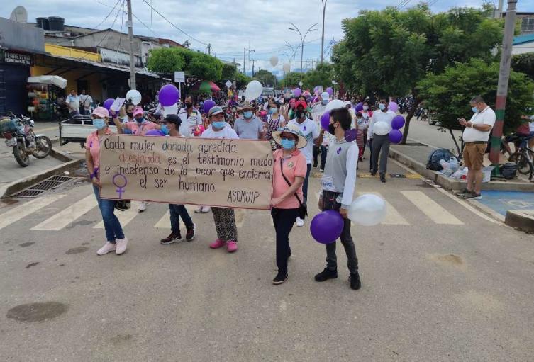 En Tibú mujeres marchan para que no las asesinen