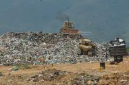 Al relleno sanitario El Carrasco son dispuestas mil 200 toneladas de desechos.