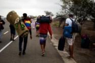 Venezolanos tratan de retornar a su país