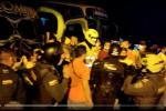 Paro de transportadores en Bucaramanga avanza en medio de enfrentamientos con la fuerza pública.
