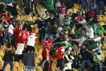 Pelea entre hinchas de Nacional y Santa Fe en El Campín