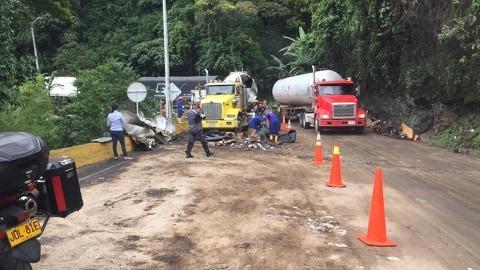 Se descartan daños ambientales en accidente en la vía Ibagué - Cajamarca - Alerta Tolima