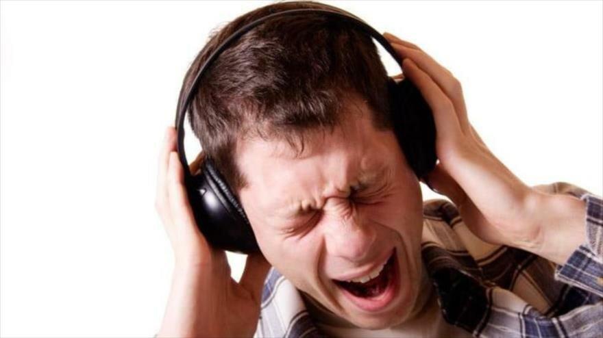 El uso frecuente de dispositivos electrónicos le generará sordera?   Alerta Tolima