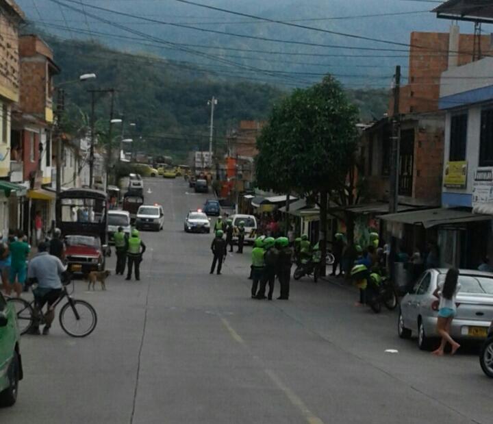 Policía le disparó a un borracho en el barrio Gaitán para proteger la    Alerta Tolima