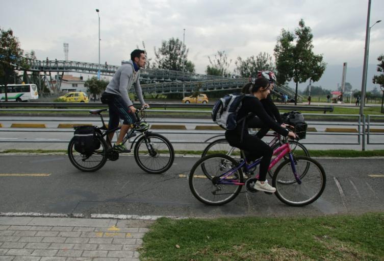 La bicicleta, uno de los principales medios de transportes en el día sin carro