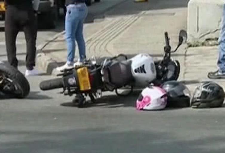 Un hombre también resultó gravemente herido.