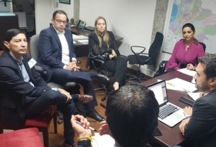 El alcalde electo de Ibagué, Andrés Hurtado, se reunió en Bogotá con el viceministro de Agua Potable, José Luis Acero