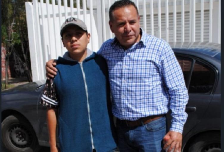 Francisco Tenorio con el supuesto asesino