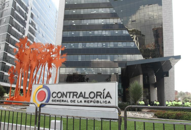 Contrato que firmó la administración seccional con la empresa particular León Graficas SAS
