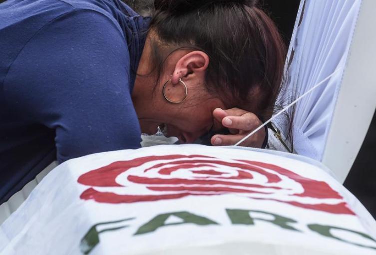 Imagen de uno de los funerales por un exguerrillero asesinado